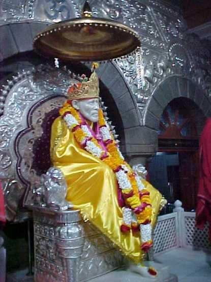 https://harikrishnamurthy.files.wordpress.com/2012/06/e_bhagavan_shirdi_5.jpg