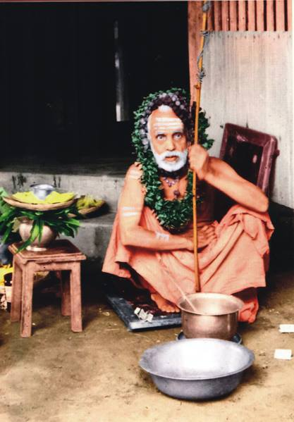 Periyava_with_Vilva_mala_on_head